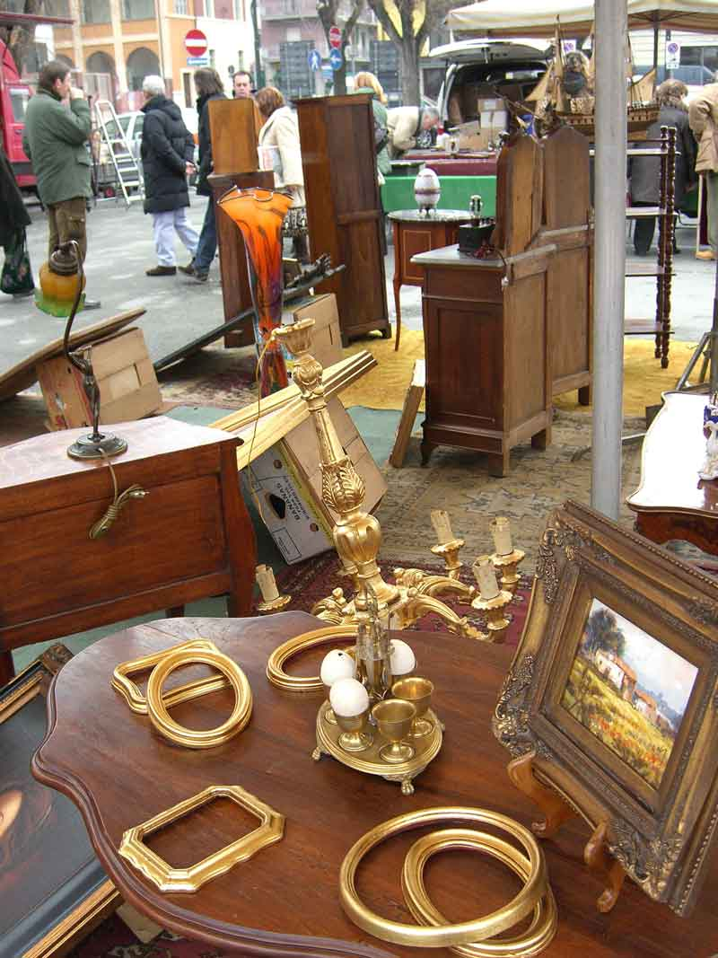 Nizza Monferrato antique market